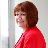 Lesley Swarbrick headshot